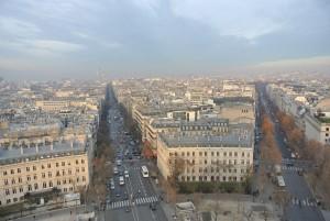 凱旋門の屋上から市街を望む
