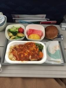 機内食②なかなか美味しかった。