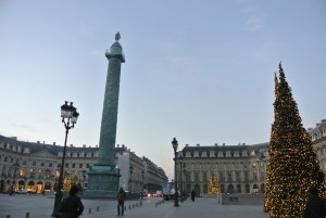 ホテルの裏手にあるヴァンドーム広場