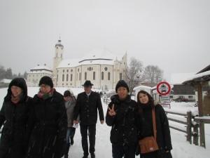 雪降る中ヴィーナス教会へ外観は意外と・・・